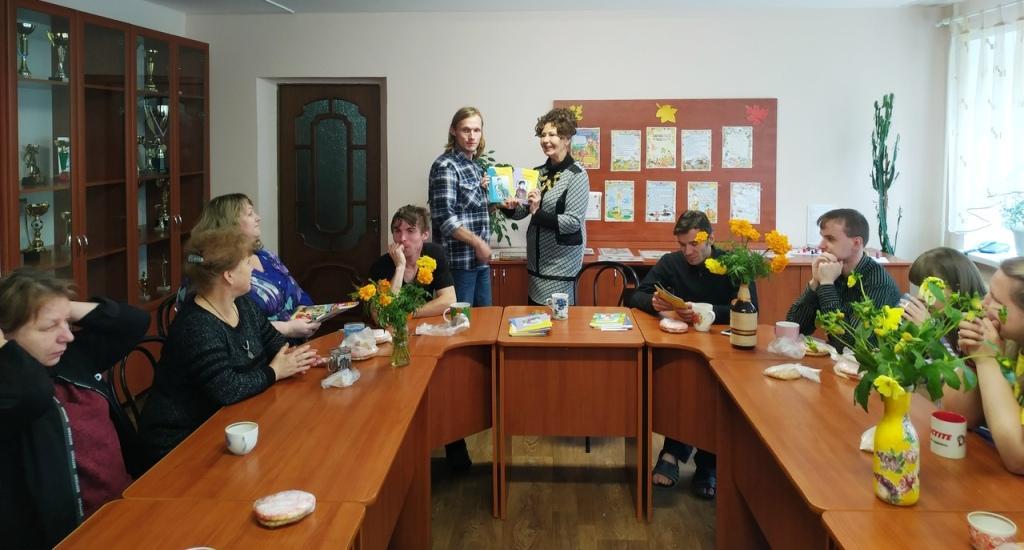 В Череповецком психоневрологическом интернате прошла презентация книг, проиллюстрированных инвалидами в рамках социального проекта «Студия Творчества»