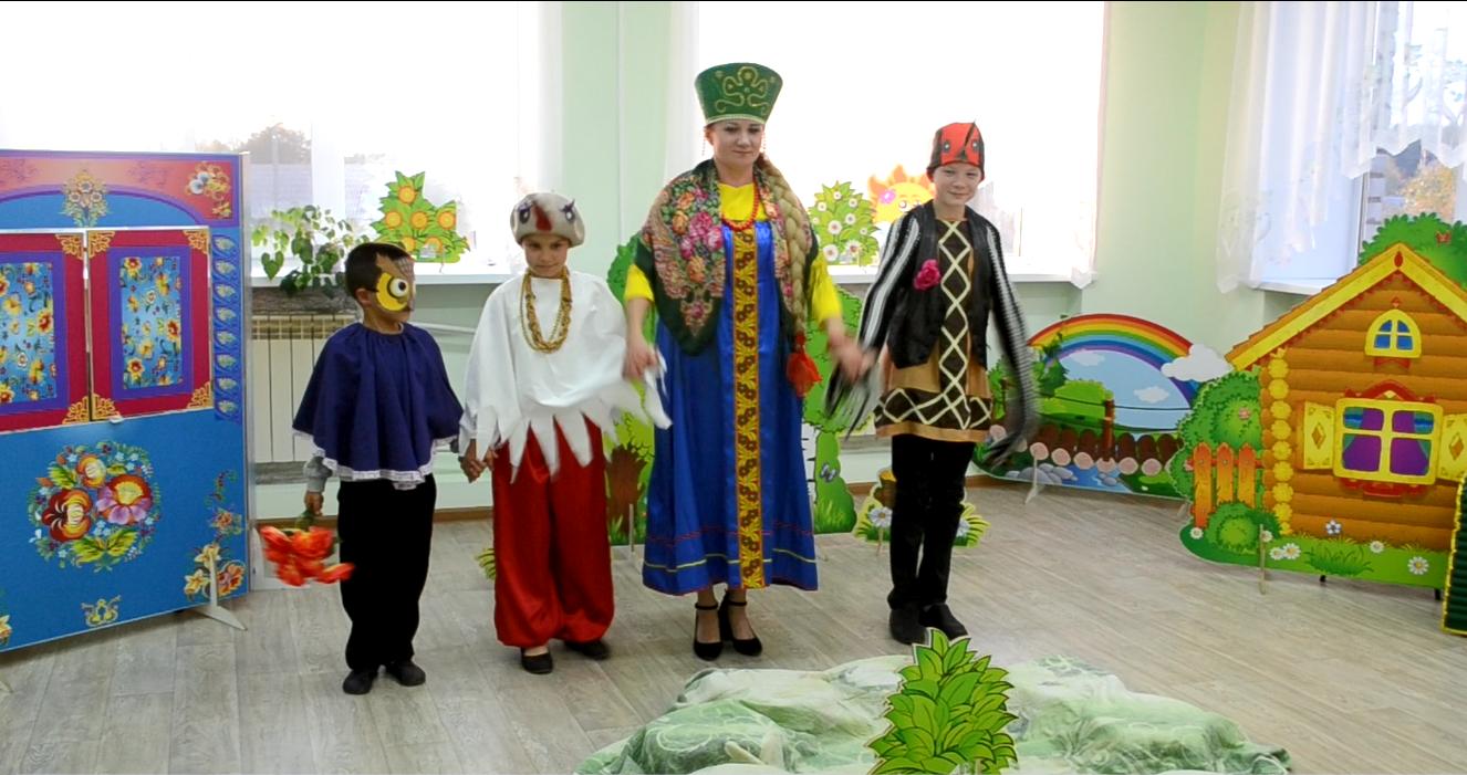 Замещающая семья из Кичменгского Городка победила в номинации «Драматический спектакль» фестиваля семейных театров в Архангельске